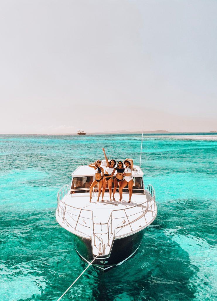 Girls in a Yacht