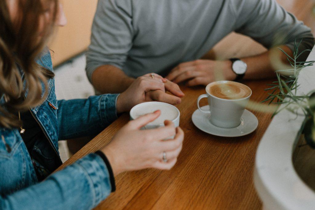 sapiosexual couple having coffee